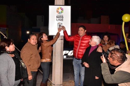 Alcalde de Soledad puso en funcionamiento alumbrado con lámparasLeden Santa Mónica