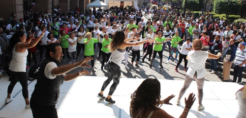 Nutrida participación en Feria de Activación y Caminata que realizó Deporte Municipal
