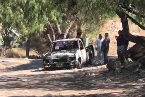 Encuentran cuerpo calcinado en la caja de una camioneta, en la Carretera a Guadalajara
