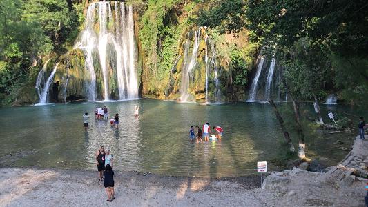 Turismo trabaja en concientización de visitantes para ser turistas responsables
