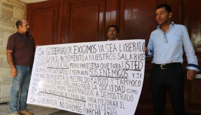 Policías y Ministerios Públicos exigen a Carreras que cumpla con el aumento salarial