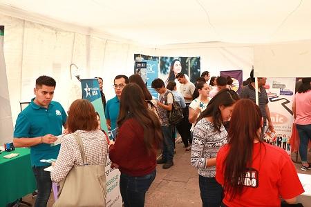 Asisten 600 jóvenes a la segunda Feria de Universidades