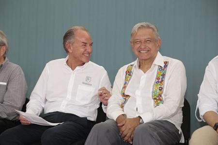 Anuncia AMLO Y JM Carreras modernización de Aeropuerto de Tamuín por mil MDP a favor del turismo en la región