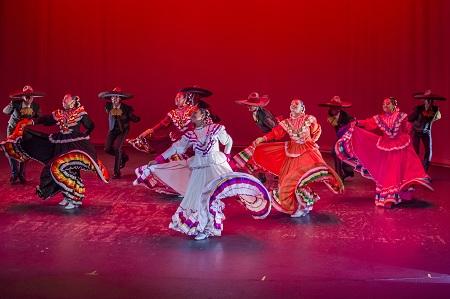 """Presentaciones de danza folclórica """"Aires Revolucionarios"""" a punto de comenzar en el IPBA."""
