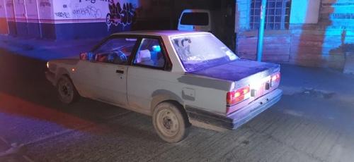 Policía de Soledad sorprende a dos personas con vehículo robado