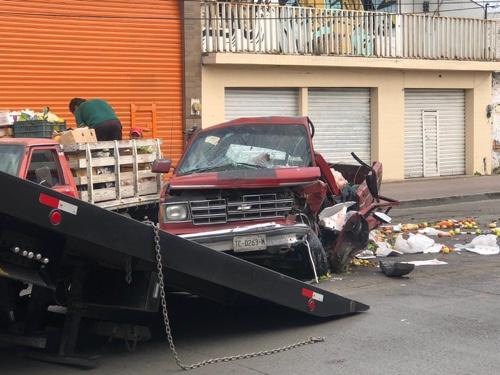 Aparatoso accidente en Av. Universidad, deja saldo de cinco lesionados