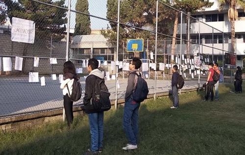 Estudiantes de Ciencias de la Comunicación de la UASLP, denuncian a docentes acosadores [Fotografías]