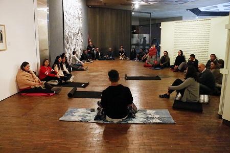 Yoga y arte en el Centro de Difusión Cultural Raúl Gamboa del IPBA.