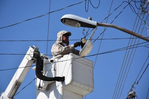 Rehabilitación permanente de luminarias dañadas en Soledad