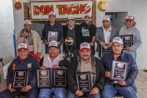 Escudería Don Tacho, entregó reconocimientos a sus pilotos